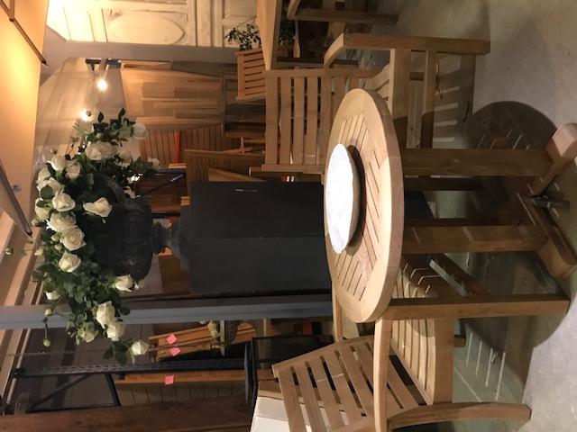 Lounge stapelstoeltje - horizontale spijl 1